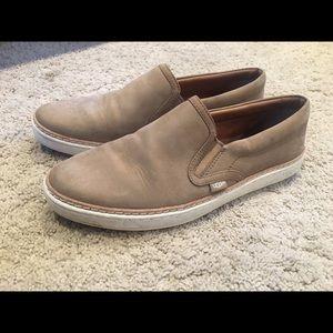 Ugg flat shoes